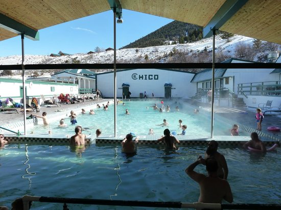 chico-hot-springs-resort
