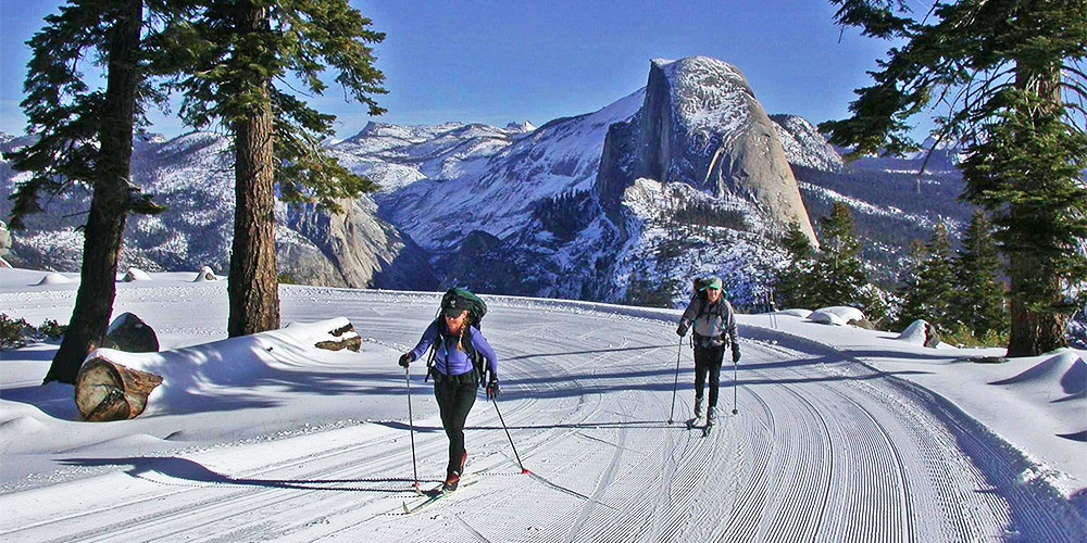 glacier-point-road-cross-country-ski_half-dome-view_1000x500